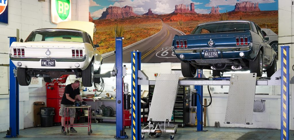 Caption: Muscle Car UK Factory, UK