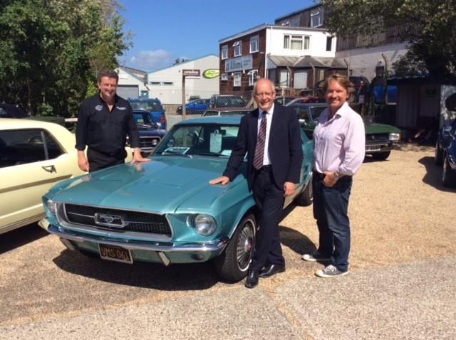 Ford UK MD Andy Barratt Visits Leading Mustang Dealership