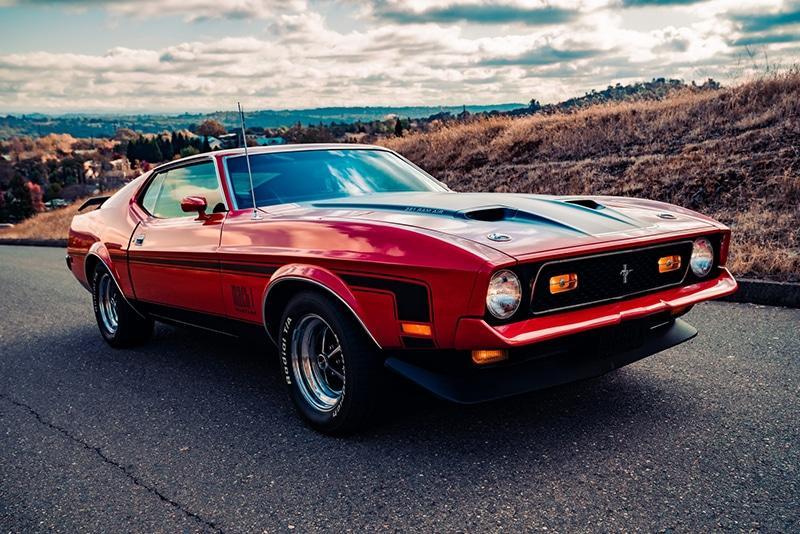 Meritt-Thomas-Unsplash-1972-Mustang-Mach-1-800x534